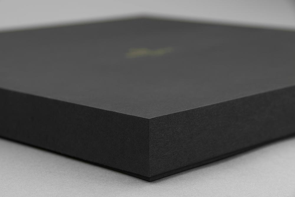 FULLYAUTOMATED-DESIGN-PERFECTSHAPE-SHARPEEDGES-LUXURY-PACKAGING-BOX-BOXBY111-BLACKBOARD